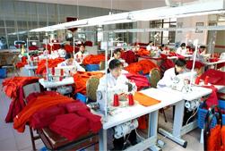 服装进口:加快了服装原料进口到加工区的速度